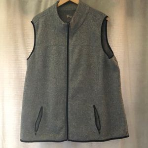 Old Navy Active vest. (Size 3x)